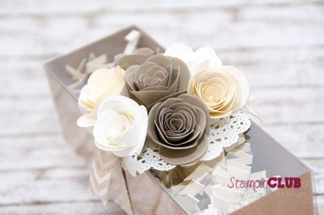 DSC_3101 Stampin Up Spiral Flower Originals Die Originals Form Spiralblume White Tea Lace Paper Doilies Papier-Spitzendeckchen Natural Chevron Ribbon Geschenkband mit Fischgrätmuster in Natur_