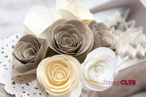 DSC_3108 Stampin Up Spiral Flower Originals Die Originals Form Spiralblume White Tea Lace Paper Doilies Papier-Spitzendeckchen Natural Chevron Ribbon Geschenkband mit Fischgrätmuster in Natur_