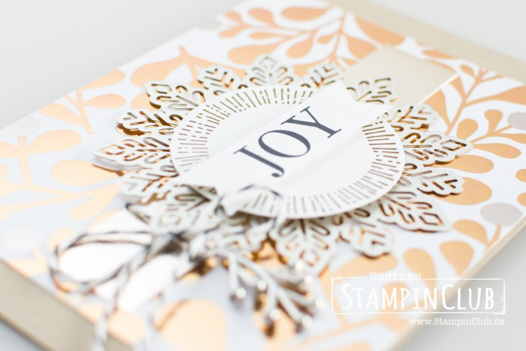 Winterfreuden, Stampin' Up!, Accessoires Winterfreuden, Year of Cheer Embellishments, Besonderes Designerpapier Winterfreuden, Year of Cheer Specialty Designer Series Paper, Cheers to the Year, Metallic-Folienpapier in Champagner, Champagne Foil Sheets, Metallic-Schneeflocken, Foil Snowflakes