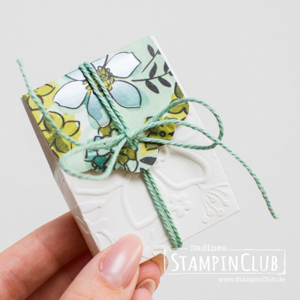 Stampin' Up!, StampinClub, Prägefolder Wunderblume, Geteilte Leidenschaft, Big Shot, Goodie Verpackung