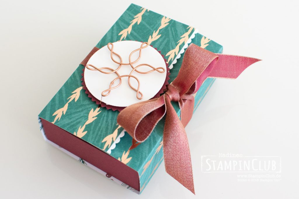 Stampin' Up!, StampinClub, Naschbox, DSP Weihnachtszeit, Drahtakzente Schneeflocken & Sterne
