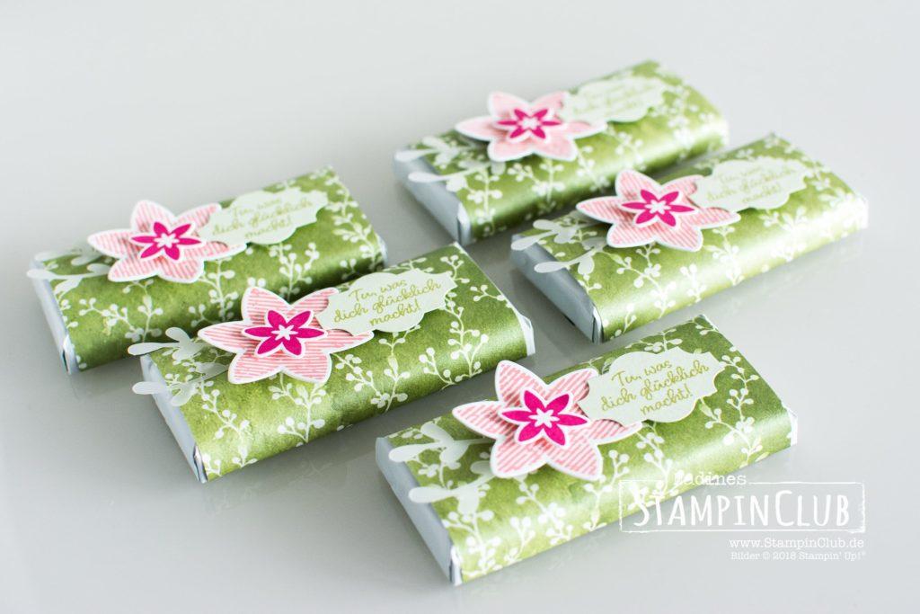 per Post, Stampin' Up!, StampinClub, Glück per Post, Happiness Surrounds, Winterblüten, Frosted Floral DSP, Goodies, Thinlits Formen Schneegestöber, Snowfall Thinlits Dies