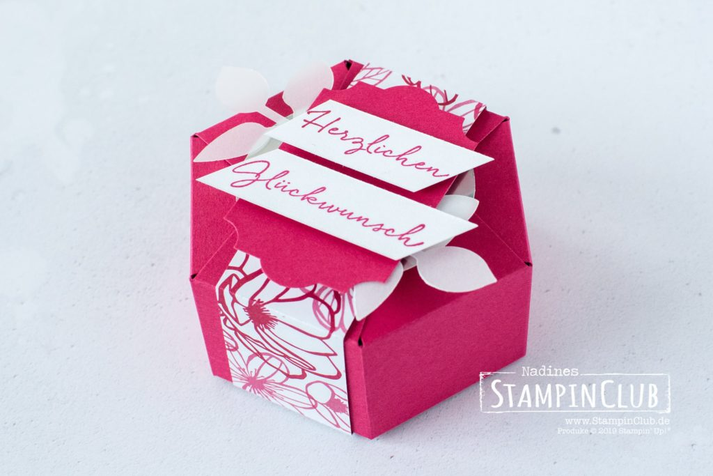 Hexagon-Box, Stampin' Up!, StampinClub, Hexagon Box, Hexagon Verpackung, Florale Grüße, DSP In Liebe