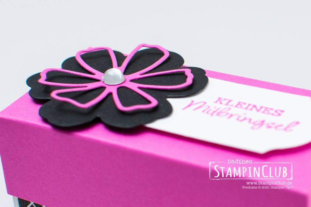 Stampin' Up!, StampinClub, Designerpapier Wahre Liebe, True Love DSP, Stanzformen Herrlich Blumig, Perennial Petals Dies, Stanze Zeitloses Etikett, Ovale Grüße, Oval Occasions